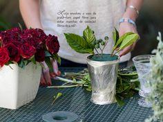 Arranjo de flores - Por Lucia Milan. Veja como fazer: http://www.casadevalentina.com.br/blog/detalhes/arranjo-de-flores-diy-por-lucia-milan-3039 #decor #decoracao #color #cor #detail #detalhe #design #ideia #idea #diy #creative #criativo #casadevalentina #flowers #flores