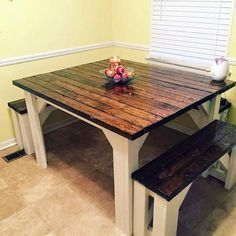 Pallet Furniture A perfect idea for fulfilling the dinning need, repurposed wood pallets are painted with dark brown color along with the benches which are looking good. Pallet Crafts, Diy Pallet Projects, Furniture Projects, Home Furniture, Pallet Ideas, Wooden Pallet Furniture, Wooden Pallets, Repurposed Furniture, Painted Pallets