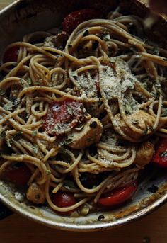 Spaghetti in Garlic Gravy with Herbs and Lemon Marinated Chicken and Cherry Tomatoes / peegaw