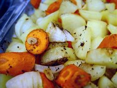 I came up with this recipe after having done a search on Zaar and came up empty handed. It is a simple recipe and turned out exactly as I had hoped. I hope it will work for you as well as it did for me! Vegetable Side Dishes, Side Dishes Easy, Vegetable Recipes, Roasted Potatoes And Carrots, Baby Carrots, Pork Roast Recipes, Potato Onion, Garlic Recipes, My Favorite Food
