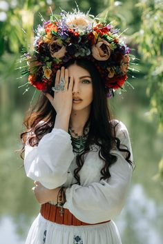 How to meet Eastern European brides? Women from Ukraine and Russia are looking for good, honest and reliable men like you! Find your love easy! Ukraine Women, Ukraine Girls, Floral Headdress, Ukrainian Dress, European Girls, Boho Chic, Folk Fashion, Most Beautiful Women, Flower Crown