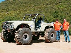Top Truck Challenge competitor. Bronco with Swamper.