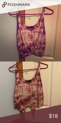 Forever 21 crop top! Worn a few time not many! Very cute and and matches with anything almost ! Forever 21 Tops Crop Tops