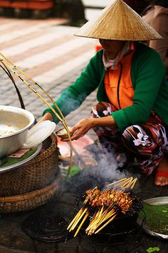 Street Food - Hoi An, Vietnam - vietnam - Eat Or Not Hoi An, Vietnamese Recipes, Asian Recipes, Mexican Food Recipes, Vietnamese Food, Laos, Vietnam Voyage, Vietnam Travel, Brunei