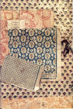 Beautiful arrangement of document prints in pink and blue - Tapeten Ideen Motifs Textiles, Vintage Textiles, Textile Patterns, Textile Prints, Vintage Patterns, Vintage Prints, Print Patterns, Vintage Wallpaper Patterns, Floral Patterns