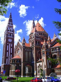 my beloved Szeged, Hungary We used to drive through Szeged on route to Budapest, but a new highway bypasses Szeged. Beautiful Buildings, Beautiful Places, Places To Travel, Places To See, Travel Around The World, Around The Worlds, Heart Of Europe, Kirchen, Eastern Europe
