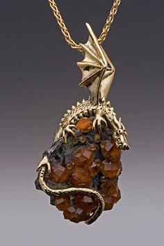 with Spessarite Garnet Crystals- SOLD Dragon clutching Spessarite Garnet CrystalsDragon clutching Spessarite Garnet Crystals Gold Jewelry, Jewelery, Jewelry Accessories, Jewelry Design, Fantasy Dragon, Dragon Art, Colar Tribal, Dragon Ear Cuffs, Ring Armband