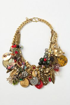 Keepsake Charm Bib Necklace -- would be cool with your own charms, childhood jewelry, moms pieces. Funky Jewelry, Charm Jewelry, Jewelry Crafts, Jewelry Box, Jewelery, Vintage Jewelry, Jewelry Accessories, Fashion Accessories, Jewelry Necklaces