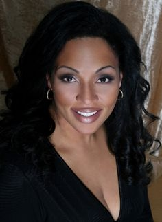 As a rising star of the international opera scene and the best known Black Canadian dramatic opera soprano, Othalie Graham already has the kind of career that most aspiring singers would kill for. Touted for her rendition of Turandot, her Wagnerian repertoire is as impressive in its vocal difficulty as it is physically demanding.