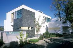 DARK Arkitekter - arkitektkontor i Oslo, Drammen og Stavanger - moderne og kreativ arkitektur innen urbanisme, bolig, næringsbygg, offentlig. Oslo, Single Family, Norway, Mansions, Dark, House Styles, Home Decor, Urban Planning, Modern