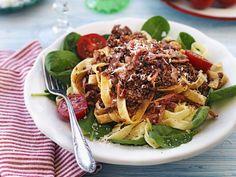 Pasta med köttfärssås Swedish Recipes, Recipe For Mom, International Recipes, Pulled Pork, Japchae, Diet Recipes, Recipies, Meal Prep, Spaghetti