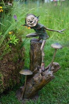 Dabida Award Victoria Chichinadze- love the mushrooms! Weird Creatures, Magical Creatures, Sculpture Art, Sculptures, Recycled Garden Art, Clay Monsters, Kobold, Mushroom Art, Unique Trees
