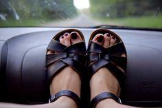 saltwater sandals :O)  via mondmelodie