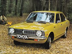 awesome Toyota Corolla - 1973 Maintenance/restoration of old/vintage vehicles: the mater. Corolla Wagon, Corolla Car, Japanese Domestic Market, Classic Japanese Cars, Classic Cars, Retro Cars, Vintage Cars, Jdm, Toyota Starlet