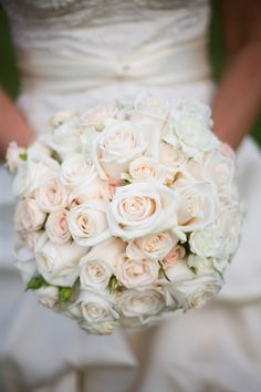 Love this! #Minnesota #weddingflowers #Minnesotaweddingphotographers http://www.bellagala.com/wedding-floral/index.html