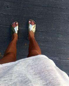 Shiny happy feet
