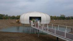 Inizia il riempimento del lago di #oxygen. Tra poco la bolla d'#aria sembrerà galleggiare sull'acqua!