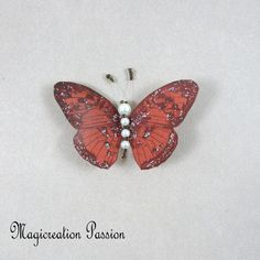 Magnet décoratif papillon soie marron +1 aimant , collection gallia - Un grand marché Moth, Insects, Montage, Dimensions, Magnets, Animals, Boutique, Collection, Playing Card
