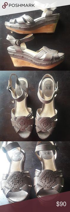 Frye Carlie Huarache Ankle Platform Wedge Sandals Frye Carlie Huarache Ankle Platform Wedge Sandals 9 M Woven Taupe Leather Strappy Excellent preowned condition Frye Shoes Sandals