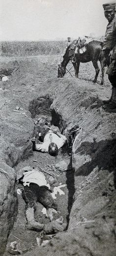 Dead Japanese in the Trenches on 4 Sep 1904, Russo-Japanese War (日露戦争).