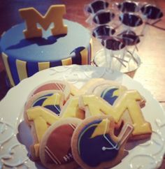 Metro Detroit Cakes and Desserts, University of Michigan desserts Ohio State Vs Michigan, University Of Michigan, Michigan Wolverines, Birthday Cake Writing, Football Cookies, Food Themes, Sweet Recipes, Birthday Parties, Desserts