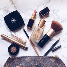 flatlay beauty marble flat lay makeup go to must have