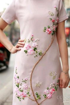 Wonderful Ribbon Embroidery Flowers by Hand Ideas. Enchanting Ribbon Embroidery Flowers by Hand Ideas. Embroidery On Clothes, Embroidery Suits, Embroidery Fashion, Silk Ribbon Embroidery, Embroidery Flowers Pattern, Hand Embroidery Stitches, Hand Embroidery Designs, Floral Embroidery, Garden Embroidery