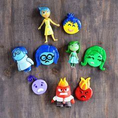 Inside Out Emoji Fridge Magnets. From the incredibly popular move make these Inside Out emoji magnets out of polymer clay. Your kids will love them! Polymer Clay Magnet, Clay Magnets, Sculpey Clay, Polymer Clay Projects, Diy Clay, Clay Crafts, Inside Out Emotions, Disney Inside Out, How To Make Clay