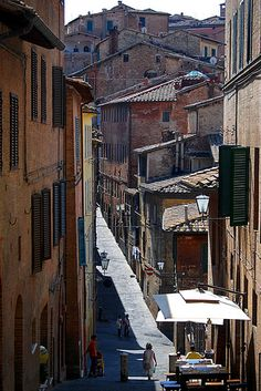 View of the streets from a day trip to Siena #irresistiblyitalian