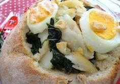 Pão Recheado com Bacalhau e Couves Portuguese Recipes, Portuguese Food, Cod Fish, Cheesesteak, Baked Potato, Mashed Potatoes, The Best, Baking, Breakfast