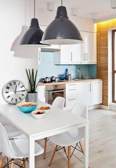 Wandfarbe Blau Weiße Küche Ideen Holz Arbeitsplatte