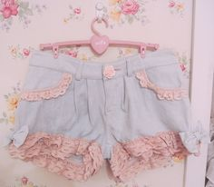 Also could look cute for fairy kei! cool I should try this with a pair of short's i have and turn them kawaii ! Harajuku Fashion, Kawaii Fashion, Lolita Fashion, Cute Fashion, Asian Fashion, Diy Fashion, Ideias Fashion, Fashion Outfits, Fashion Styles
