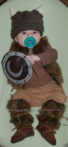 The pint-sized baby Pillager Viking costume all started with a hat. When I was about 9 months pregnant with my son Carter, I came across a crocheted Viking Vikings Costume Diy, Viking Halloween Costume, Vikings Halloween, Halloween Bebes, Halloween Birthday, Halloween Diy, Baby Birthday, Baby Boy Outfits, Kids Outfits