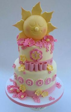 sun cake- love this cause if the sun. a lot of meaning ; Sunshine Cake, Sunshine Birthday, Cupcakes, Cupcake Cakes, Birthday Cake Decorating, Cake Decorating Supplies, Sun Cake, Ballerina Cakes, Baby Girl Cakes