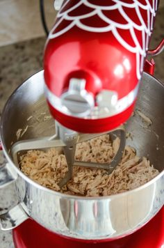 Best Shredded Chicken Recipe: This method is the easiest and most flavorful way to make shredded chicken to use in other recipes! Plus, it only takes 30 minutes!