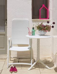 White Darsena Chair with the Step Table