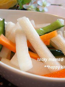 ご飯おかわり!我が家で人気の大根と野菜のお漬物
