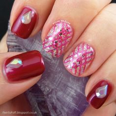 Nail art design featuring Barry M Rose Quartz Glitter and OPI Thank Glogg It's Friday, lattice pattern stamped with Cici&Sisi 08.