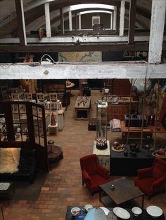 Vue d'en haut magasin Passé Composé Antiquité Décoration Tournai Belgique www.passe-compose.be