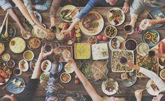 Die 10 veganen Top-Restaurants in Deutschland - Vegane Ernährung findet immer mehr Anhänger. Manchmal möchte man nicht selber kochen, sondern sich bekochen lassen. In diesen Restaurants schmeckt