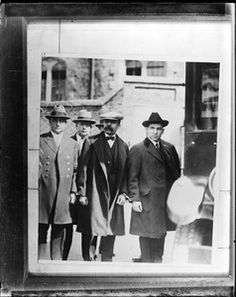 Sacco and Vanzetti taken from jail to court