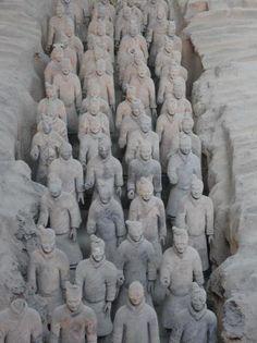 Rows of #terra-cotta warriors, Xian by EsslingerBrian