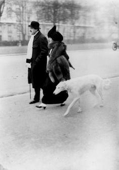 France. Couple with dog, Avenue de Bois de Boulogne, Paris, 1912 -Jacques-Henri LARTIGUE
