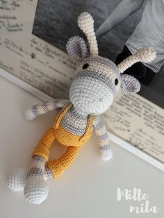 stripy giraffe crochet amigurumi