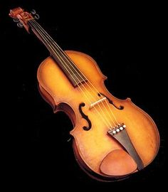 Mike's Amazing Cakes - Again, really a cake??!! OR just a picture of a violin?