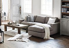 Living Room - Love the L-shaped couch L Shaped Living Room, Condo Living Room, Living Room Grey, Small Living Rooms, Apartment Living, Interior Design Living Room, Home And Living, Sofas For Small Spaces, Small Sofa