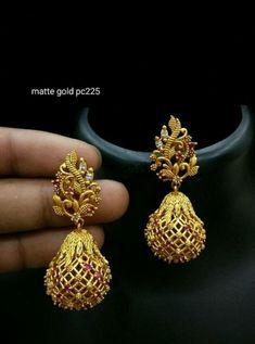 Jewerly Making Ideas Crystal 37 New Ideas Gold Jhumka Earrings, Jewelry Design Earrings, Gold Earrings Designs, Gold Jewellery Design, Necklace Designs, Diamond Jewelry, Gold Jewelry, Antique Jewelry, Fine Jewelry
