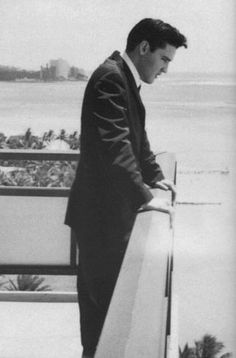Elvis 1961, at the Hilton Hawaiian Village, in Honolulu to perform a benefit concert to raise funds for the Arizona Memorial.