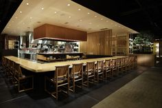 新規経営者なら知っておきたい居酒屋内装デザインの傾向と最新事例について | 内装工事、店舗デザイン見積り比較、業者探しの内装総合ポータルサイト ARCHICLOUD アーキクラウド
