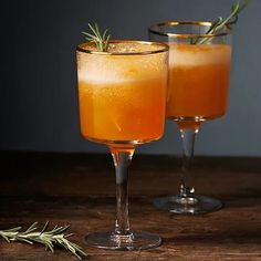 Put a life to your current party along with a collection of cool and complicated mix meal inspiring ideas. Juice Drinks, Drinks Alcohol Recipes, Alcoholic Drinks, Beverages, Cocktail Desserts, Cocktail Drinks, Cocktail Recipes, Refreshing Drinks, Cocktails